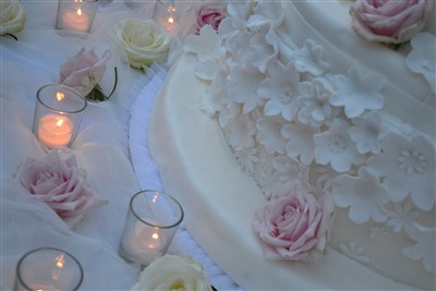 dettaglio allestimento tavolo torta per matrimonio a tema danza