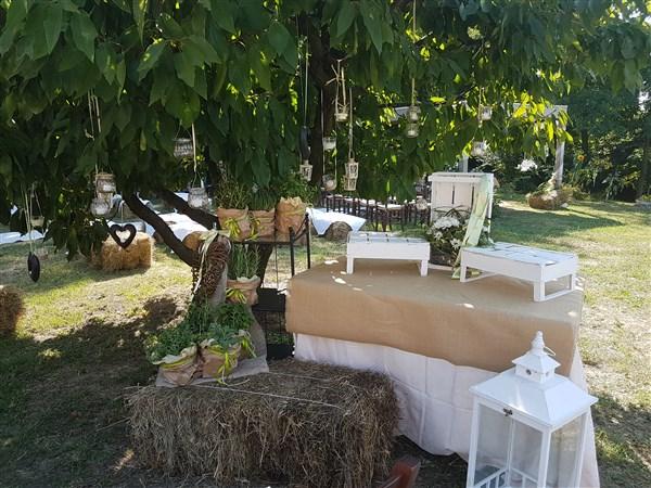 decorazioni esterno location per matrimonio in agriturismo