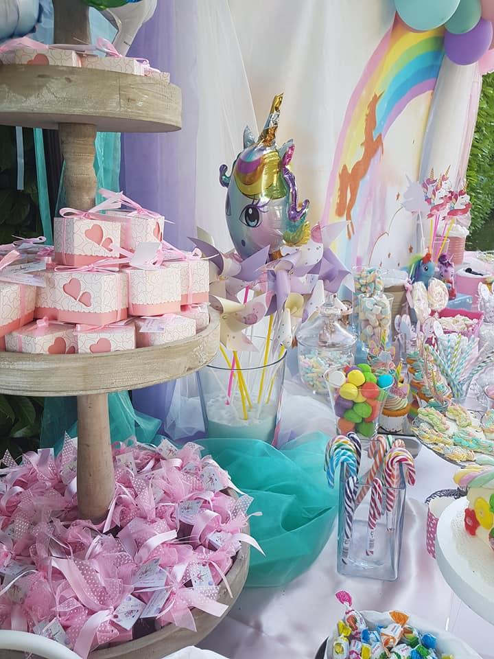 battesimo bimba a tema unicorn - cupcake e caramelle